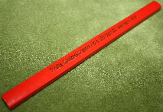Červená tesárska ceruza