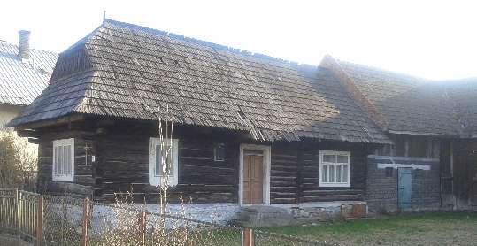 Hlavný stavebný prvok tejto chalupy je drevo