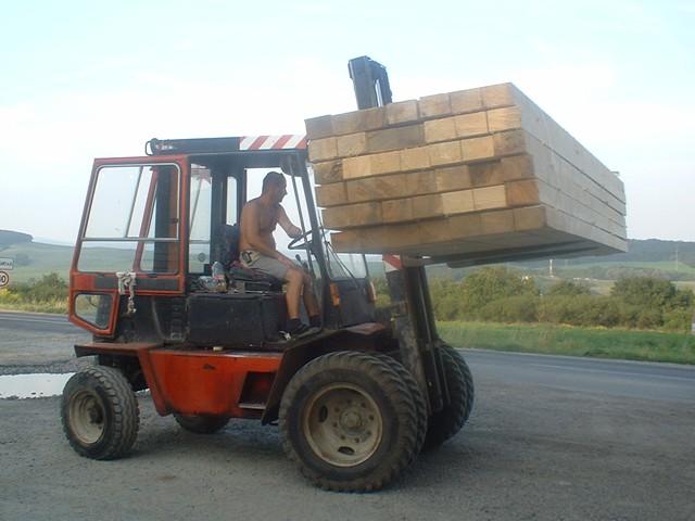 Prekladanie drevených hranolov starým vzv