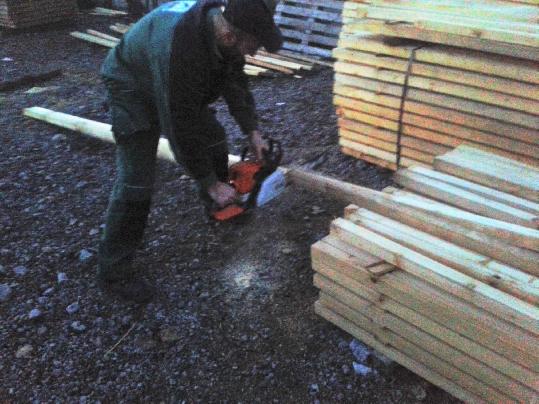 Skracovanie stavebného reziva